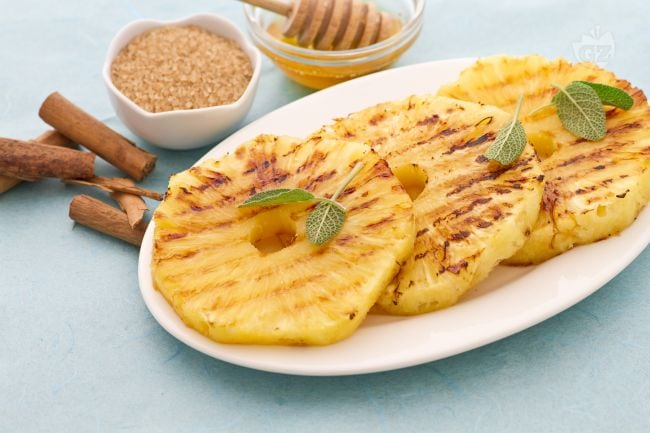 Ricetta ananas alla piastra con miele e cannella la for Ricette semplici cucina