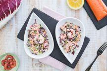 Insalata allo yogurt con salmone e gamberetti