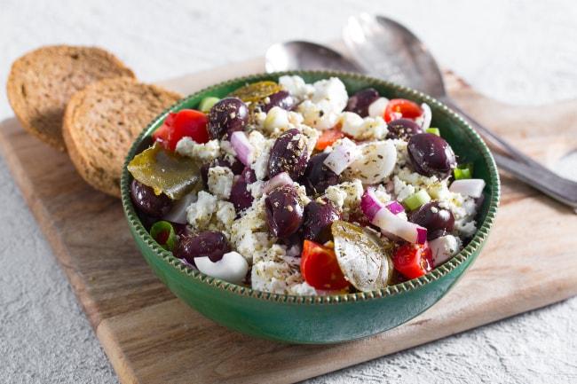 Ricetta insalata greca la ricetta di giallozafferano for Insalate ricette