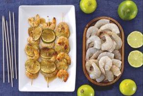 Spiedini di mazzancolle al lime, miele e semi di papavero