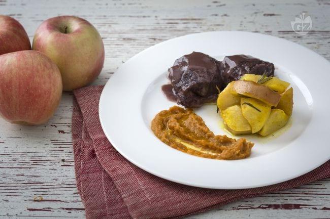 Stracotto al Porto con mele al rosmarino