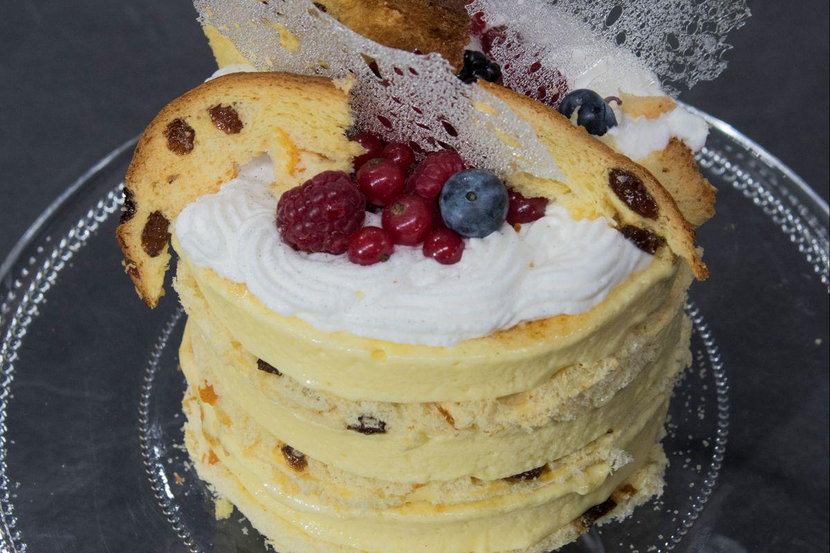 Crema caramellata alla vaniglia con panettone croccante