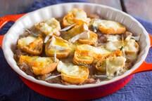 Zuppa di cipolle ai 4 formaggi francesi