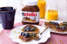 Pancakes senza glutine ai mirtilli con Nutella®