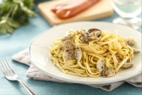 Linguine con bottarga e arselle
