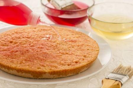 Come fare la bagna per torte