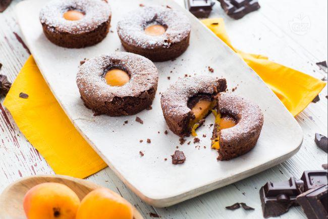 Tortine cioccolato e albicocche