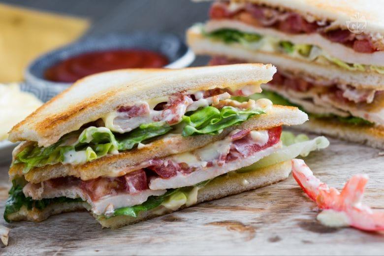 Ricetta Clubhouse Sandwich La Ricetta Di Giallozafferano