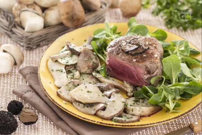 Ricetta filetto con porcini e tartufo la ricetta di for Primi piatti e secondi