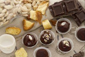 Tartufi di pandoro al cioccolato