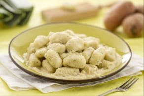 Ricetta Gnocchi alle erbe e crema di porri
