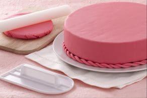 Ricetta Come ricoprire una torta con pasta di zucchero