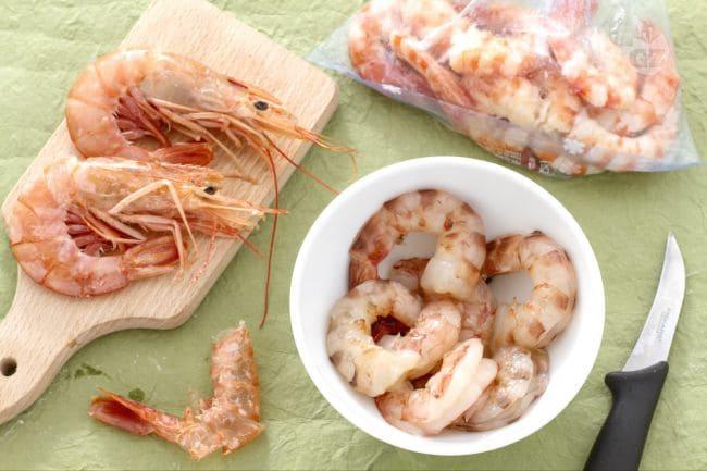 rimedi naturali contro vermi intestinali come pulire i gamberi con la forchetta