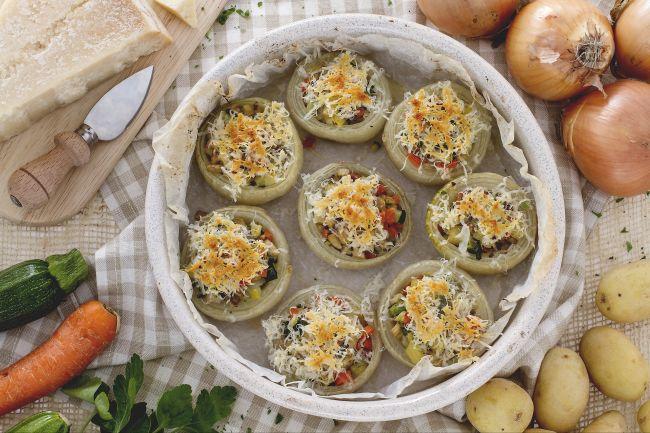 Ricetta cipolle ripiene la ricetta di giallozafferano for Ricette primi e secondi piatti