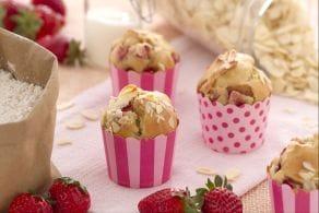 Ricetta Muffin al farro con fragole e mandorle