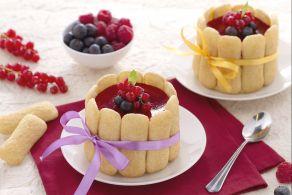 Ricetta Minicharlotte di Pavesini con crema diplomatica e frutti di bosco