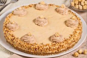Cheesecake caramello e nocciole