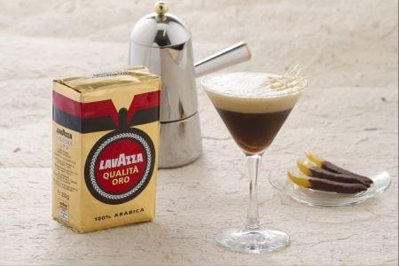 Caffè shakerato al limone