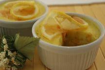 Souffle di ricotta al limone con salsa di limone e cannella