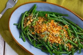 Ricetta Fagiolini all'aglio e mollica croccante