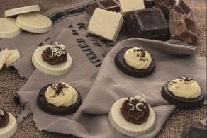 Ricetta Tortine con crema ai due cioccolati