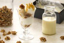 Gelato alla vaniglia con noci croccanti