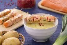 Crema di porri e patate con spiedino di salmone