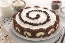 Cheesecake swiss roll