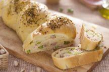 Pane intrecciato ripieno