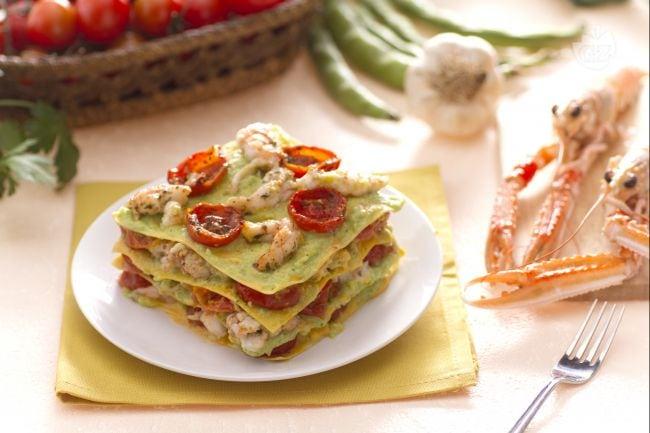 Ricetta lasagne con scampi pomodorini e pesto di fave la for Barilla ricette