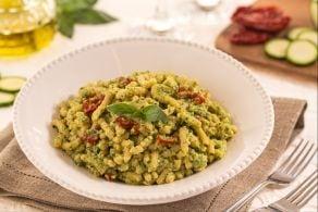 Ricetta Passatelli al pesto di zucchine