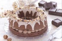 Ciambella al cioccolato con crema alla nocciola