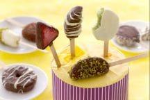 Bite di frutta ricoperta di cioccolato