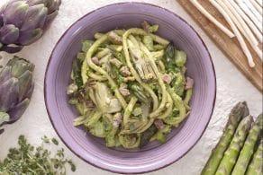 Bigoli agli asparagi, carciofi e pesto di piselli