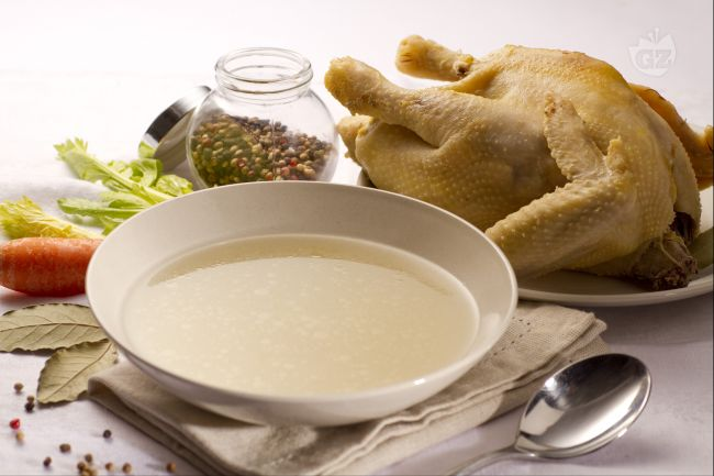Brodo di gallina (o pollo)