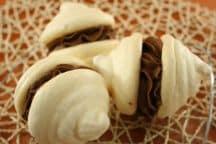 Doppie meringhe con panna montata al cacao