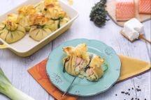Fagottini di porri, salmone e robiola