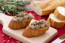 Crostini con crema di lenticchie al rosmarino