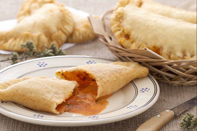 panzerotti  Ricetta Panzerotti (calzoni) fritti - La Ricetta di GialloZafferano