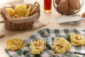 Ricetta Nidi di tagliatelle dolci al Passito di Pantelleria