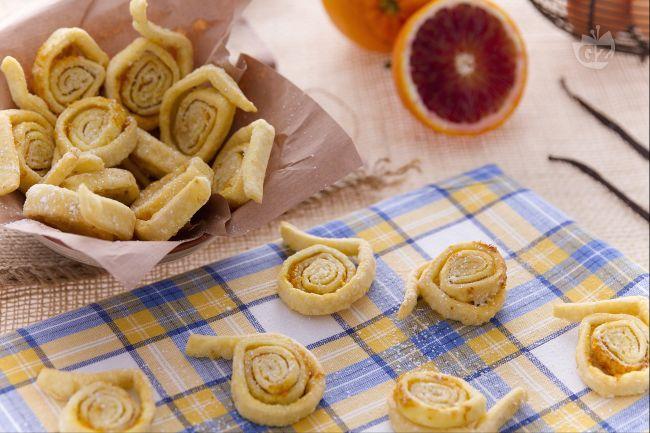 Ricetta tagliatelle dolci di carnevale la ricetta di for Ricette dolci di carnevale