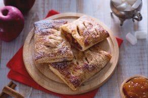 Ricetta Fagottini di pasta sfoglia con cuore di mela