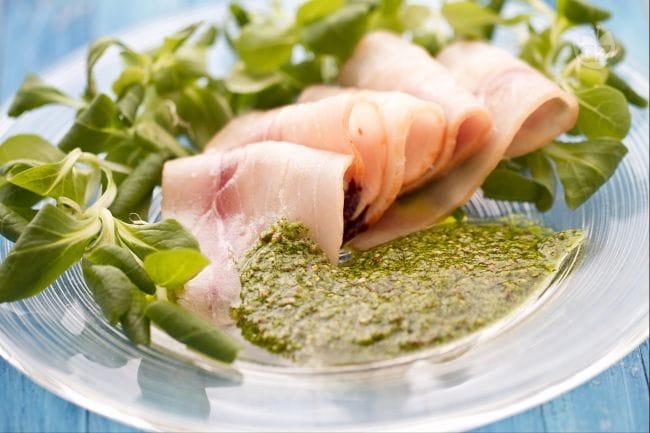 Carpaccio di pesce spada con salsa verde alla senape