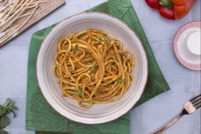 Ricetta Bigoli in salsa di peperoni rossi