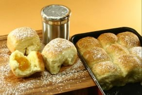 Ricetta Buchteln (dolcetti di pasta lievitata)
