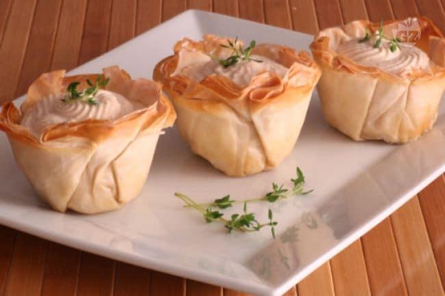 Ricetta barchette croccanti con mousse di tonno le for Ricette di cucina antipasti