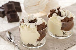 Ricetta Coppa al mascarpone con cioccolato e meringhe