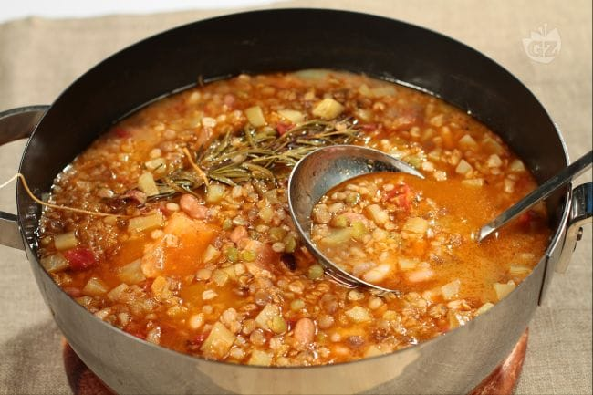 Risultati immagini per zuppa di legumi