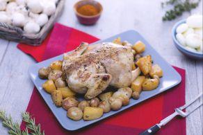 Pollo con patate, funghi e cipolline