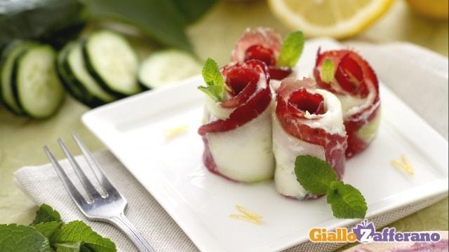 Rotolini di cetrioli